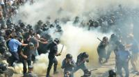 Affrontements entre forces de l'ordre et manifestants nationalistes, le 31 août 2015 à Kiev, en Ukraine [GENYA SAVILOV / AFP]