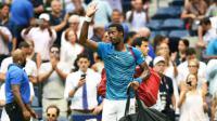 Gaël Monfils quitte le court après avoir perdu contre le Serbe Novak Djokovic en demi-finales de l'US Open au USTA Billie Jean King National Tennis Center à New York, le 9 Septembre 2016 [Jewel SAMAD                   / AFP]