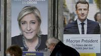 Des affiches électorales, le 23 avril 2017 à Valence-d'Agen dans le Tarn-et-Garonne [PASCAL PAVANI / AFP]