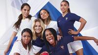 Les maillots de l'Équipe de France féminines.