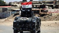 Un véhicule des forces irakiennes en patrouille près de la vieille ville de Mossoul, le 24 mai 2017 [Ahmad al-Rubaye / AFP/Archives]
