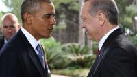 Le président turc Recep Tayyip Erdogan (D) accueille son homologue américain Barack Obama, le 15 novembre 2015 à Antalya [Yasin Bulbul / POOL/AFP/Archives]