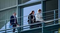 Le ministre allemand des Finances Olaf Scholz, la cheffe du SPD Andrea Nahles et la chancelière Angela Merkel arrivent à la chancellerie pour participer à une réunion de la coalition ministérielle avec la CSU bavaroise le 3 juillet 2018. [Arne Immanuel BAENSCH / dpa/AFP]