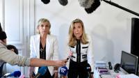 Janine Bonaggiunta (G) et Nathalie Tomasini (D), avocates de Jacqueline Sauvage lors d'une conférence de presse à Paris le 12 août 2016 [ALAIN JOCARD / AFP]