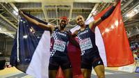 Les Français Aurel Manga (g) en bronze et Pascal Martinot-Lagarde en argent au 50 m haies de l'Euro de Glasgow le 3 mars 2019 [Ben STANSALL / AFP]