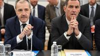 Jean-Guy Talamoni, à gauche, et Gilles Simeoni, président de la collectivités de Corse, le 13 février 2018 à Paris [CHRISTOPHE ARCHAMBAULT  / AFP/Archives]