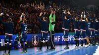 Les Experts saluent le public à l'issue de leur victoire sur l'Islande au Mondial de hand, le 21 janvier 2017 à Villeneuve-d'Ascq  [Philippe HUGUEN / AFP]