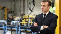 Emmanuel Macron dans l'usine Renault de Maubeuge, le 8 novembre 2018 [ludovic MARIN / AFP]
