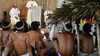 Le pape François lors d'une réunion avec des représentants des communautés indigènes du bassin amazonien à Puerto Maldonado, le 19 janvier 2018, au Pérou [Vincenzo PINTO / AFP]