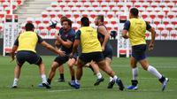 Les joueurs du XV de France lors d'une séance d'entraînement à Nice, le 16 août 2019 pour le match amical contre l'Ecosse [Yann COATSALIOU / AFP]