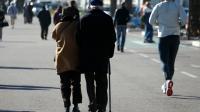 Bien que l'espérance de vie n'ait cessé d'augmenter au cours du 20e siècle, la duréemaximale de la vie humaine pourrait déjà avoir été atteinte, selon une étude [VALERY HACHE / AFP/Archives]