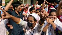 Des ouvriers du textile au Bangladesh manifestent pour des hausses de salaires, le 10 janvier 2019 à Dacca [Munir UZ ZAMAN / AFP/Archives]