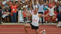 Le décathlonien français Kévin Mayer détenteur du record du monde de sa discipline à l'issue du Décastar de Talence, le 16 septembre 2018  [NICOLAS TUCAT / AFP]
