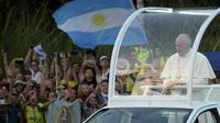 Le pape François dans les rues de Panama le 23 janvier 2019. [RAUL ARBOLEDA / AFP]