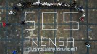 Des journalistes protestent contre la mort d'un de leurs collègues, le 28 juin 2017 à Morelia, au Mexique [ENRIQUE CASTRO / AFP]