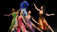 Les danseurs de la Martha Graham Company interprètent une scène de «Every Soul is a Circus», un ballet comique lors d'une répétition générale, le 13 mars 2012 au Joyce Theatre, à New-York. [TIMOTHY A. CLARY / AFP/Archives]