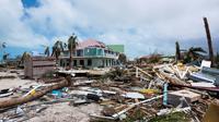 Des structures détruites par le passage de l'ouragan Irma à Orient Bay, sur l'île de Saint-Martin, le 7 septembre 2017 [Lionel CHAMOISEAU / AFP/Archives]
