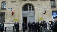 Devant le secrétariat d'Etat aux Transports à Paris, le 19 décembre 2016 [bertrand GUAY / AFP]