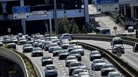 """La circulation sera """"exceptionnellement difficile"""" sur les routes ce week-end pour le chassé-croisé entre juilletisteset aoûtiens [JEFF PACHOUD / AFP/Archives]"""