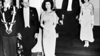 Le président américain John F. Kennedy et sa femme Jacqueline, suivis du vice-président Lyndon Johnson et son épouse Claudia Alta Taylor, le 20 janvier 1962 à Washington  [ / JFK Presidential Library/AFP/Archives]