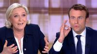 Captures d'écran avec Emmanuel Macron (D) et Marine Le Pen (G) lors d'un débat télévisé le 3 mai 2017 à La Plaine-Saint-Denis, près de Paris [STRINGER / AFP]