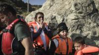 Des réfugiés syriens à leur arrivée sur l'île grecque de Lesbos, le 23 août 2015  [ACHILLEAS ZAVALLIS / AFP]