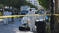 Un attentat suicide commis par une femme kamikaze a visé des véhicules de police dans le centre de Tunis, le 29 octobre 2018 [FETHI BELAID / AFP]