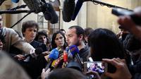 Francois Lambert (C), le neveu de Vincent Lambert, tétraplégique en état végétatif depuis six ans, s'exprime devant la presse le 14 février 2014 au Conseil d'Etat [Francois Guillot / AFP/Archives]