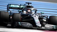 Le pilote britannique Lewis Hamilton au volant de sa Mercedes sur le circuit du Castellet lors des qualif. pour le GP de France, le 22 juin 2019 [Boris HORVAT                         / AFP]