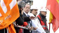 François Hollande en visite à l'usine ArcelorMittal le 24 février 2012 à Florange [Jean-Christophe Verhaegen / AFP/Archives]