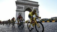 Le Colombien Egan Bernal remporte le Tour de France le 28 juillet 2019 [Anne-Christine POUJOULAT             / AFP]