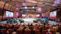 Une photo publiée par le palais royal en Arabie saoudite montre une vue générale du sommet arabe tenu à Dhahran, dans l'est saoudien, le 15 avril 2018  [BANDAR AL-JALOUD / Saudi Royal Palace/AFP]