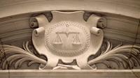 Le procès de Bernard Preynat, dont les agressions sexuelles présumées sur de jeunes scouts de la région lyonnaise ont déclenché l'affaire Barbarin, a été reporté de lundi à mardi à la demande de plusieurs avocats [JACQUES DEMARTHON / AFP/Archives]