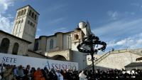 Le pape François (au c.) et des autorités religieuses du monde entier prient pour la paix à Assise, en Italie, le 20 septembre 2016 [TIZIANA FABI / AFP]