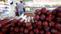 Des saucissons exposés sur l'étal d'un supermarché à Pékin, en 2013 [Wang Zhao / AFP]