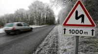 Route verglacée le 1er janvier 2017 près de Reims [FRANCOIS NASCIMBENI / AFP]