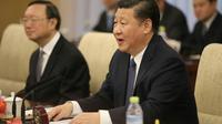 Le président chinois Xi Jinping (D) à Pékin, le 1er février 2018 [WU HONG / POOL/AFP/Archives]