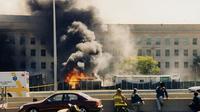 Photo publiée par le FBI le 31 mars 2017 de l'attentat du 11 septembre 2001 contre le Pentagone [HO / FBI/AFP]