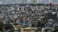 Des bidonvilles construits près de quartiers riches à Mexico le 24 juillet 2012 [Omar Torres / AFP/Archives]