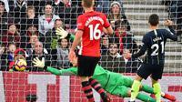 Le joueur de Manchester City David Silva (d) buteur lors de la victoire à Southampton 3-1 le 30 décembre 2018 [Glyn KIRK                   / AFP]