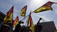 Des membres de la CGT-Cheminots manifestent contre la réforme du rail prévue par le gouvernement français, le 24 avril 2018 à Paris [ALAIN JOCARD / AFP/Archives]