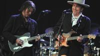 La légende du folk-rock américain, Bob Dylan, lors d'un concert le 22 juillet 2012 à Carhaix-Plouguer, dans l'est de la France [Fred Tanneau / AFP/Archives]