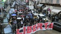 Plusieurs milliers de personnes ont manifesté, le 15 octobre 2016 à Bastia, pour dénoncer les condamnations de trois jeunes nationalistes [PASCAL POCHARD-CASABIANCA / AFP]