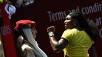 Serena Williams à l'issue du match contre Maria Sharapova le 26 janvier 2016 à Melbourne [SAEED KHAN / AFP]