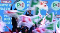 Meeting de la formation de centre gauche avec à sa tête l'ancien Premier ministre Matteo Renzi, le 2 mars 2018 à Florence [Claudio GIOVANNINI / AFP]