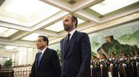 Le premier ministre Édouard Philippe avec son homologue chinois Li Keqiang à Pékin, le 25 juin 2018 [FRED DUFOUR / AFP]