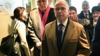 Le ministre de l'Intérieur Bernard Cazeneuve arrive dans un centre de refugiés au Mans, le 22 février 2016 [JEAN-FRANCOIS MONIER / AFP]