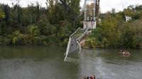 Le pont effondré de Mirepoix-sur-Tarn, le 18 novembre, 2019 [ERIC CABANIS / AFP/Archives]