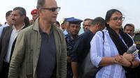 Le chef des observateurs de l'ONU, le général à la retraite Patrick Cammaert, en visite au port de Hodeida, ville de l'ouest du Yémen où une trêve est en vigueur depuis plus d'une semaine [STR / AFP]
