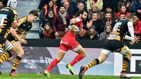 L'ailier de Toulouse Yoann Huget file à l'essai contre les Wasps en Coupe d'Europe, le 15 décembre 2018 au stade Ernest-Wallon à Toulouse [REMY GABALDA / AFP]